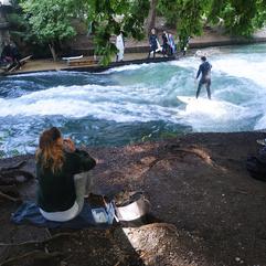 Foto 7 - Surfistas no Englischer Garten.