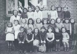 DESGENETAIS 1951
