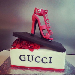 Gucci Shoe and shoebox
