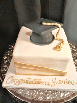 Graduation Cake gold and black