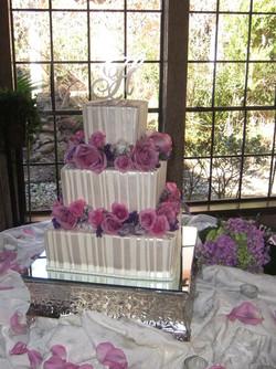 Pearl stripes wed cake
