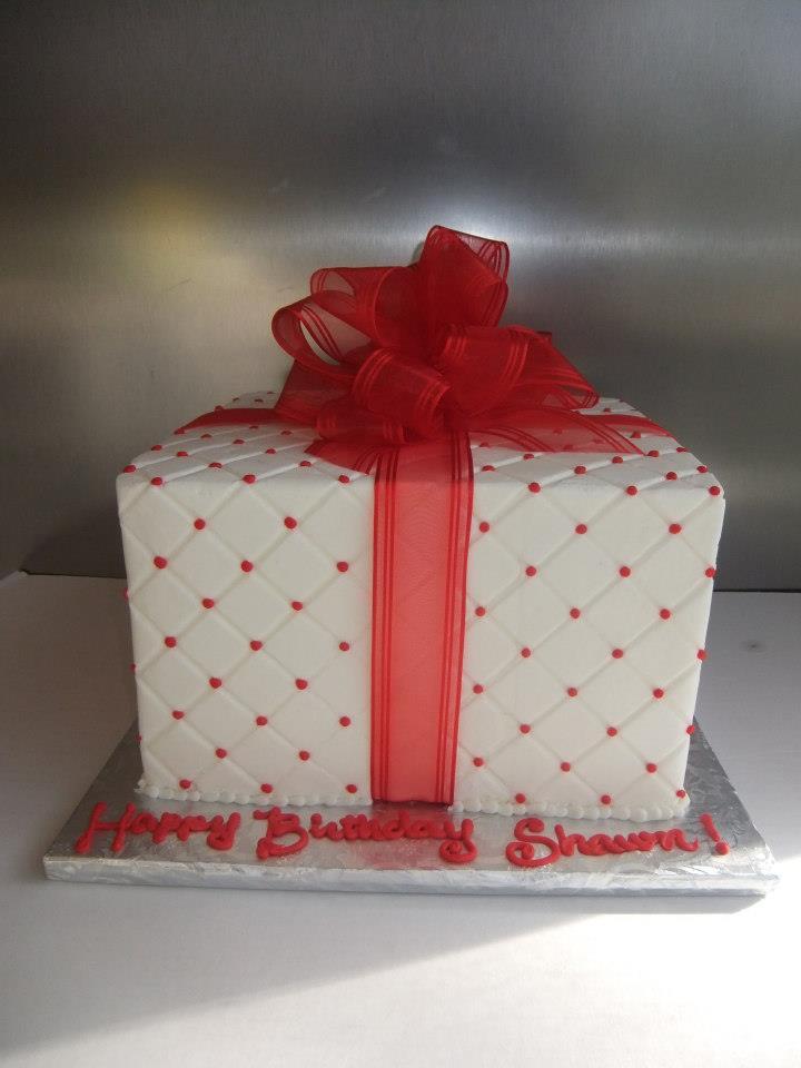 Gift box cake, Red