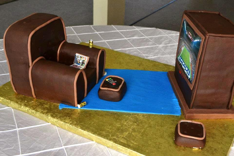Chair and TV, Grooms cake
