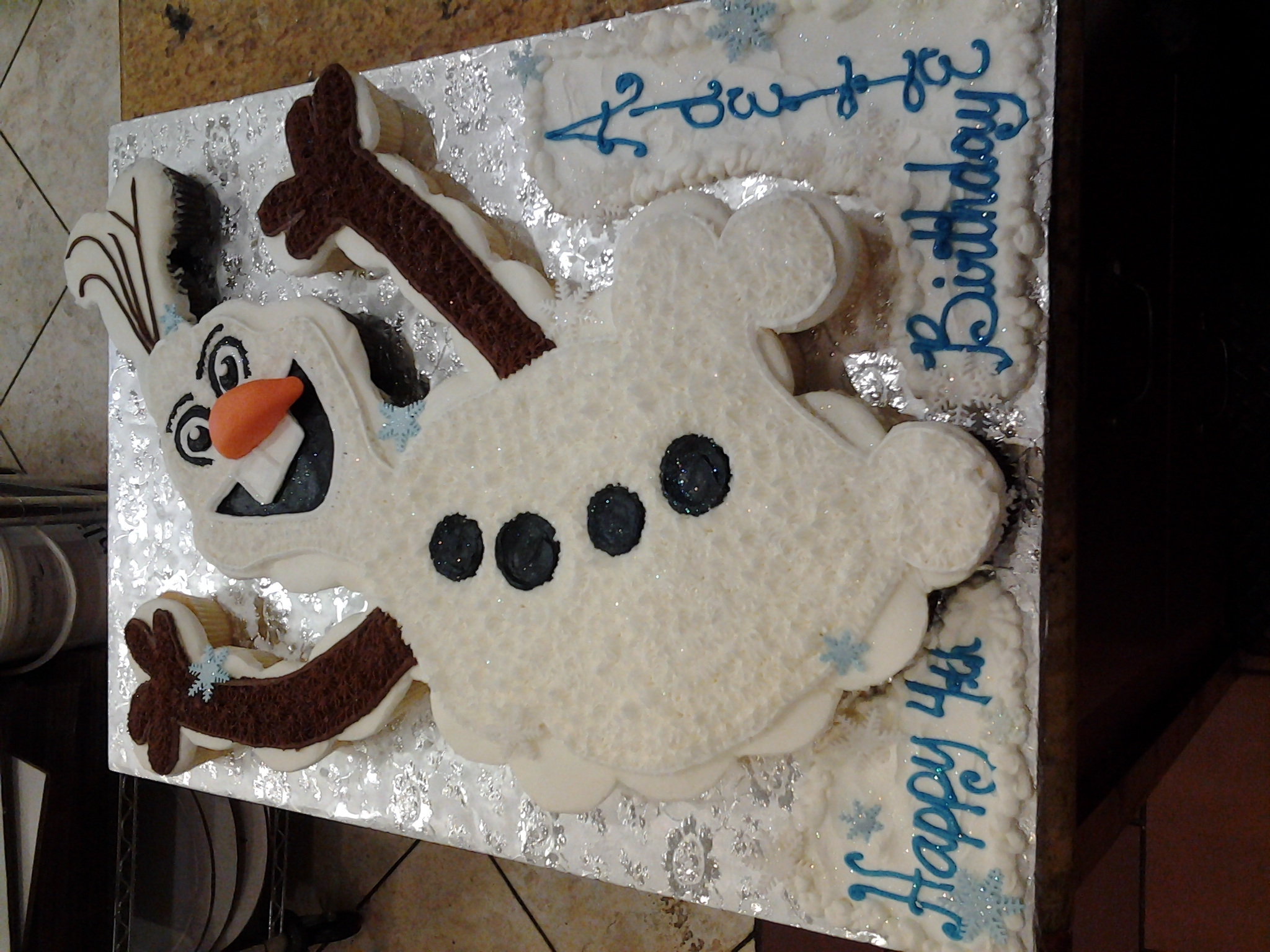 Cupcakes Frozen-Olaf in cupcakes