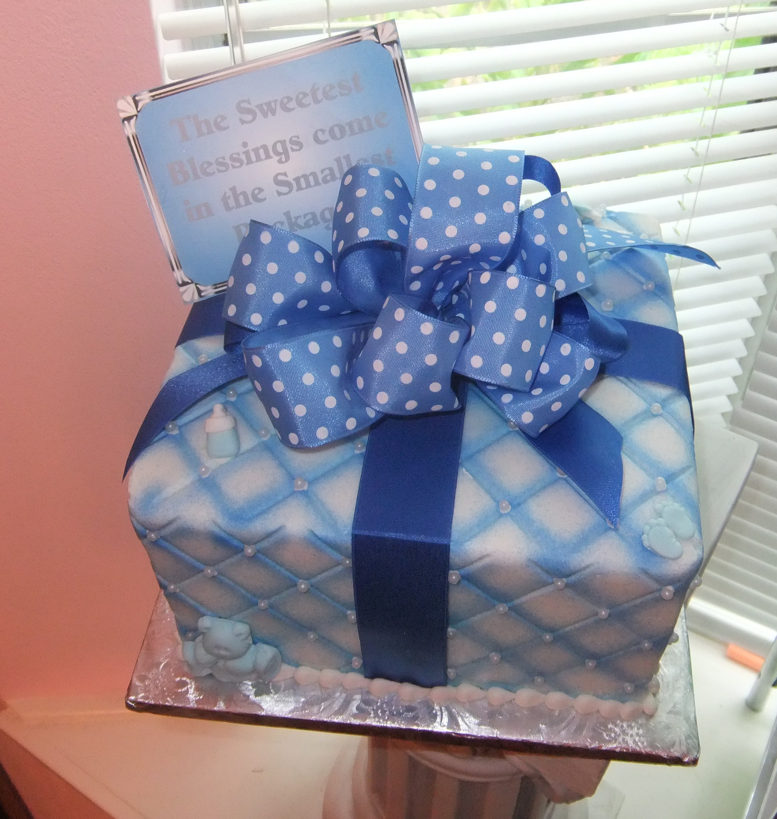 Baby blue gift cake