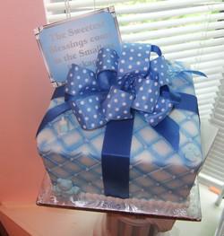 Baby blue gift cake