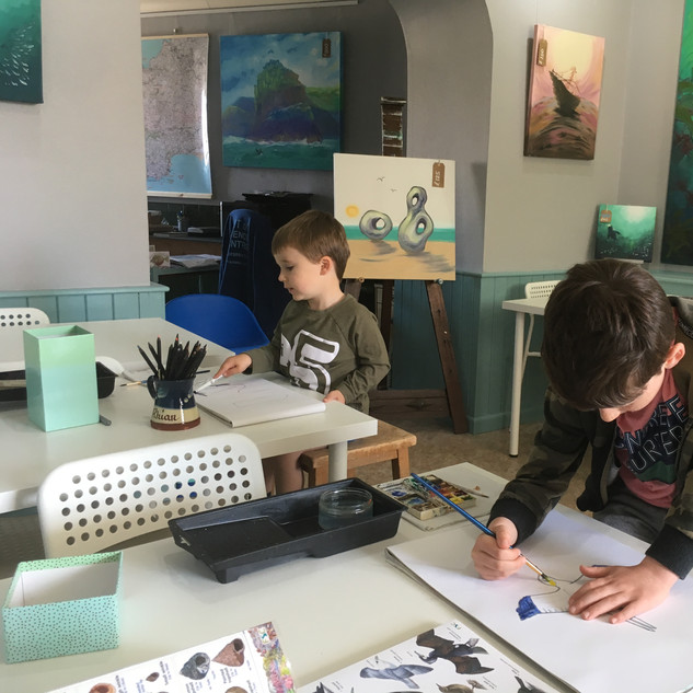 Children painting in the Art-Science Lab