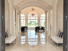 Welcome into this Private & Luxury Estate