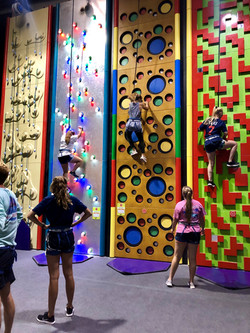 Colorful Wall Race