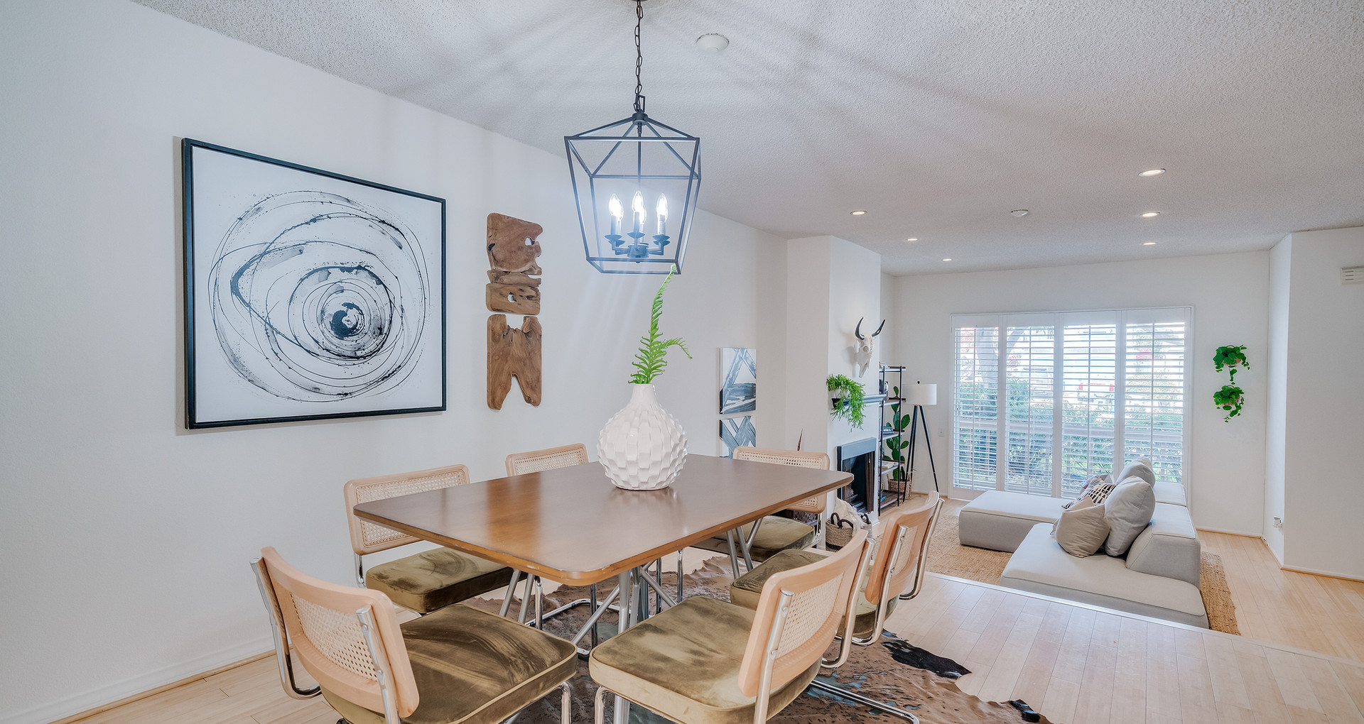 love dining room home staging