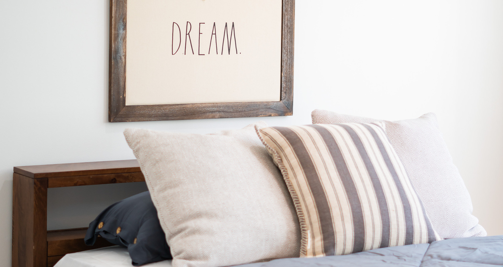 Dreams of Home staging