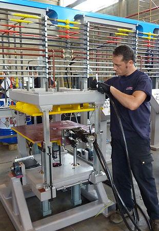 Mixing head and metering machine repair