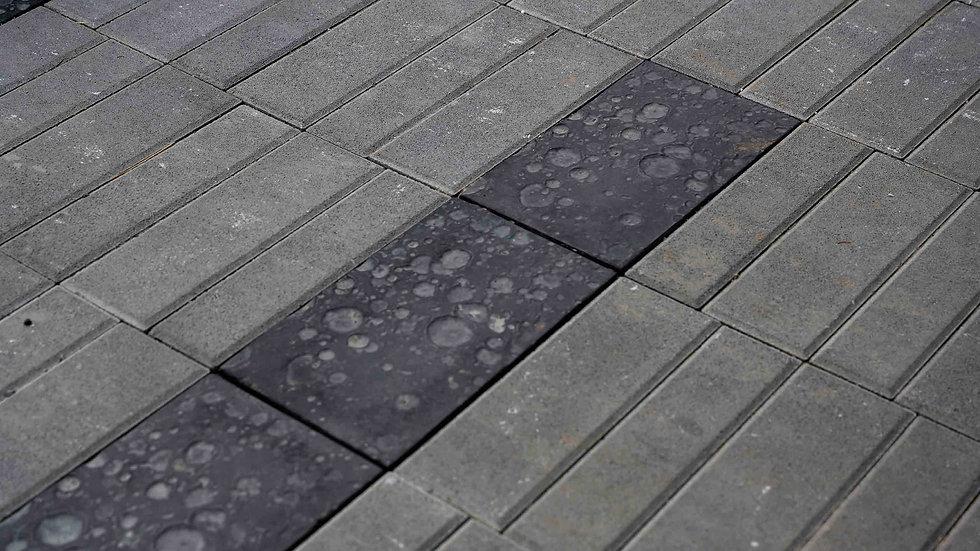 組合磚-雨跡