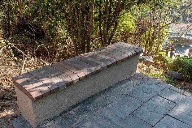 仿木矮牆桌椅