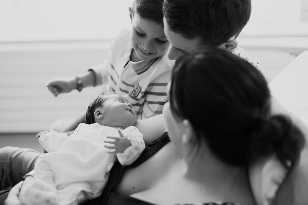 photographe maternité challans bois de cene vendée emmanuelle bethys photographie 85 44 bébé naissance