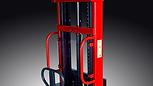VD半電動堆高機,車身採用了高抗銹、抗蝕的噴粉式塗層