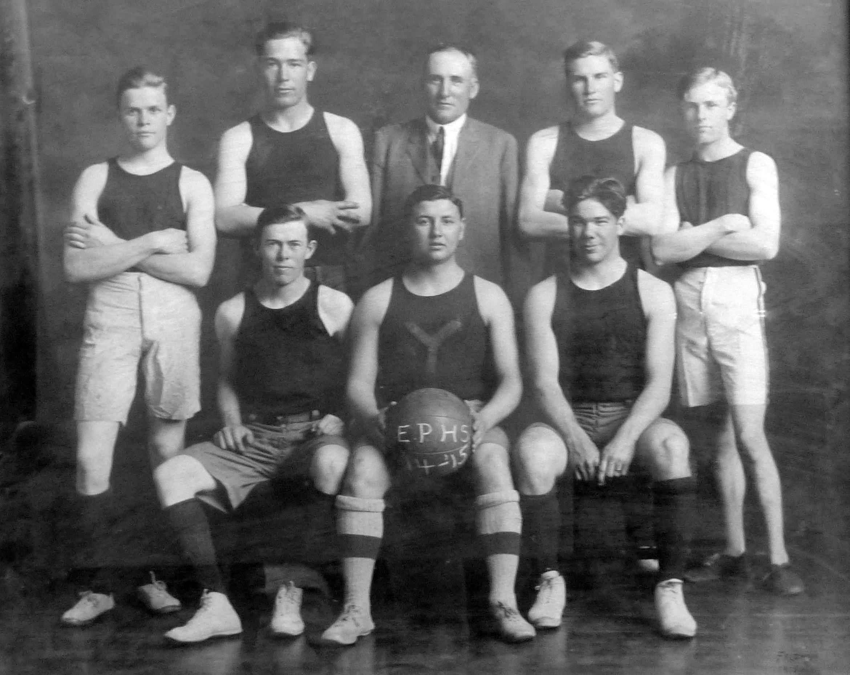 EPOHS_1914-1915 Basketball team