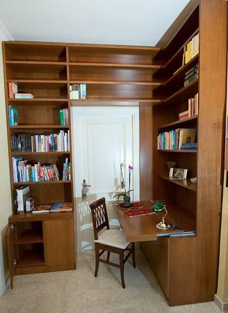 Libreria Ad Angolo Con Scrivania.Falegnameria Su Misura Roma