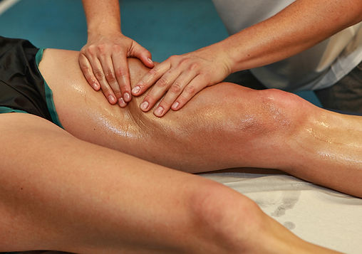 massage suédois jambe Agathe Lapalut