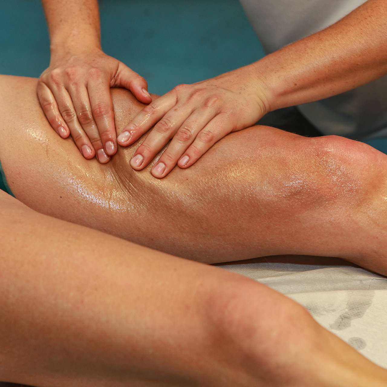 Deep Tissue Massage (60min)