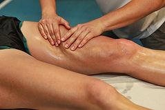 Courchevel Massage the quadriceps