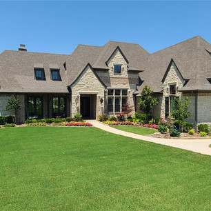 1371 Red Oak Trail in Fairview is Now Under Contract