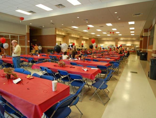 lunch area 3.JPG