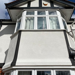 atest thin coat silicone render installation to this whole property in Morden 🏠 . Using a bright white, paired with a black silicone paint to bring out the Mock Tudor features.