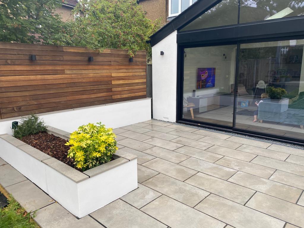 Silicone Render installation in classic 'Platinum'