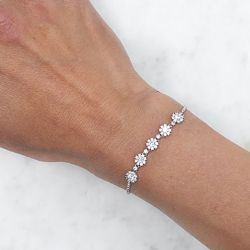 Daisy Chain  - Silver adjustable bracelet