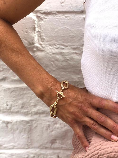 Gold interlinked chunky bracelet