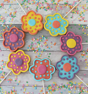 cookies on sticks 1.jpg