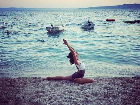 In forma con lo yoga: una pratica facile per perdere peso e stare bene a 360 gradi