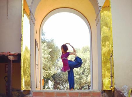 7 modi (sorprendenti) per dimagrire con lo yoga