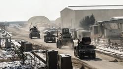 Afghanische Armeefahrzeuge auf dem Weg in die Schlacht