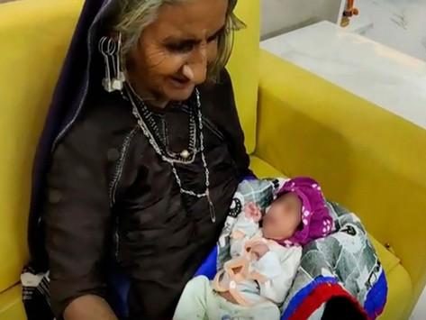 Mujer de 70 años se convierte en madre por primera vez