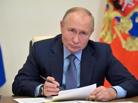 Vladimir Putin decreta semana no laborable para detener avance de COVID-19