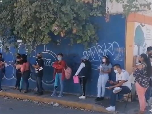 Gran afluencia para vacunación AstraZeneca para jóvenes entre 18-39 años en Chilpancingo.