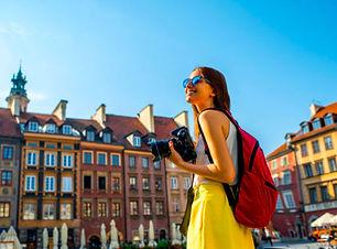 Polonia-mujer-turista.jpg