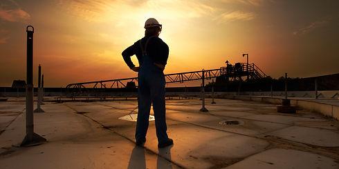 o-OIL-WORKER-facebook.jpg