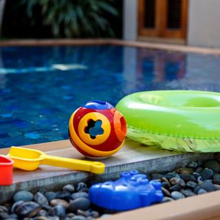20120514-kilee_kids_pool-002.jpg