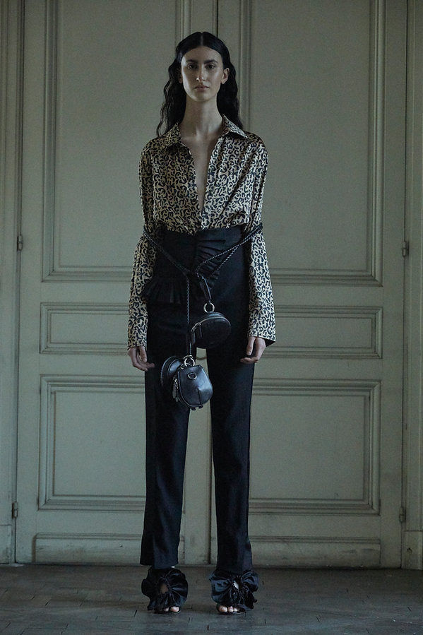 Look 29 Hombre blouse: Escara pant: Bole