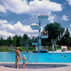 The Bathers Diary_Yael Engelhart_16