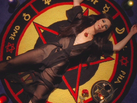 """Love Me""- THE LOVE WITCH"