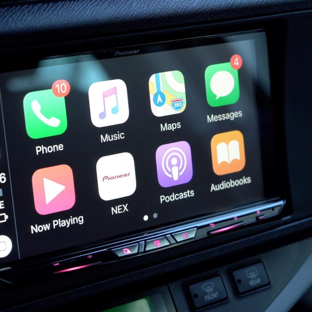 Navigation and Apple Car Play