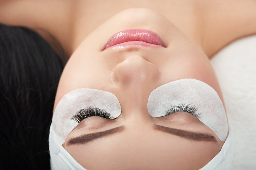 photo-comparison-woman-s-normal-enlarged-lashes.jpg