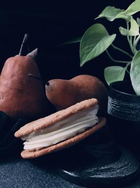 Pear cheesecake cookie sandwich