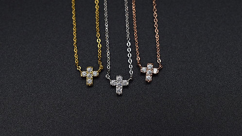 Collier croix oxyde