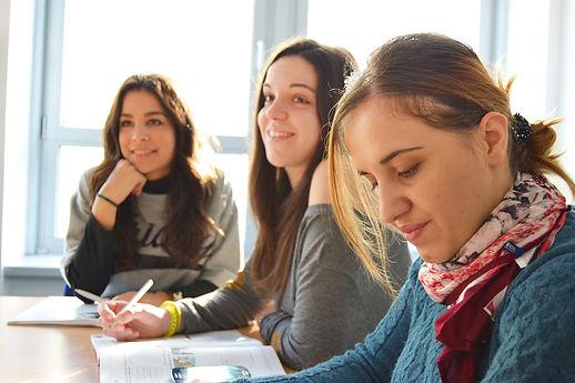 sophrologie enseignement étudiantes gestion du stress émotions désagréables créativité concentration adaptabilité mobilisation santé prévention