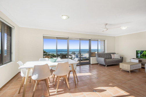Apartment 4 - Dining Room